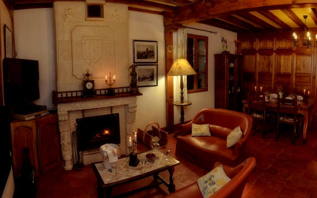 self catering ' knight's cottage ' argentier du roy
