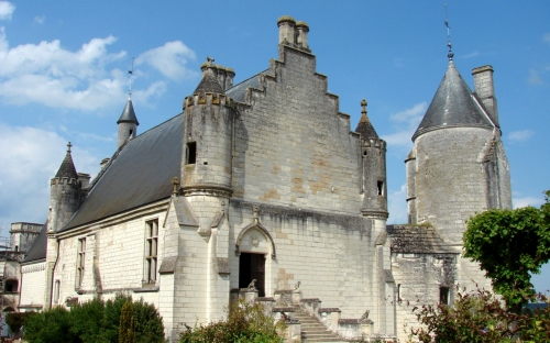 slide loches chateau | bed and breakfast argentier du roy | loire valley | france